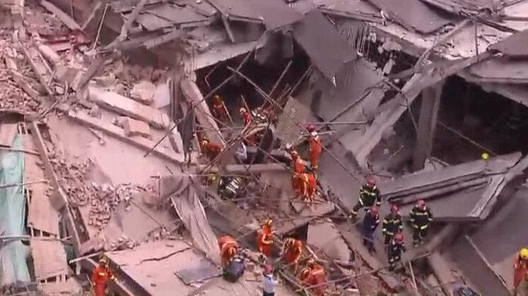 شانگهای چین، ساختمان فرو ریخت و 20 نفر گرفتار آوار شدند
