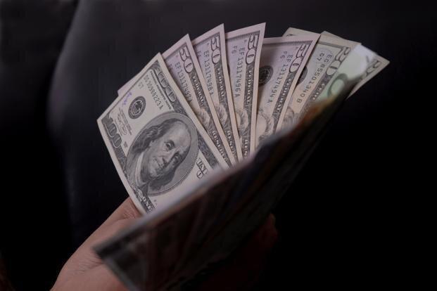 سرقت 9 هزار دلاری منشی و کارمندان یک شرکت خصوصی