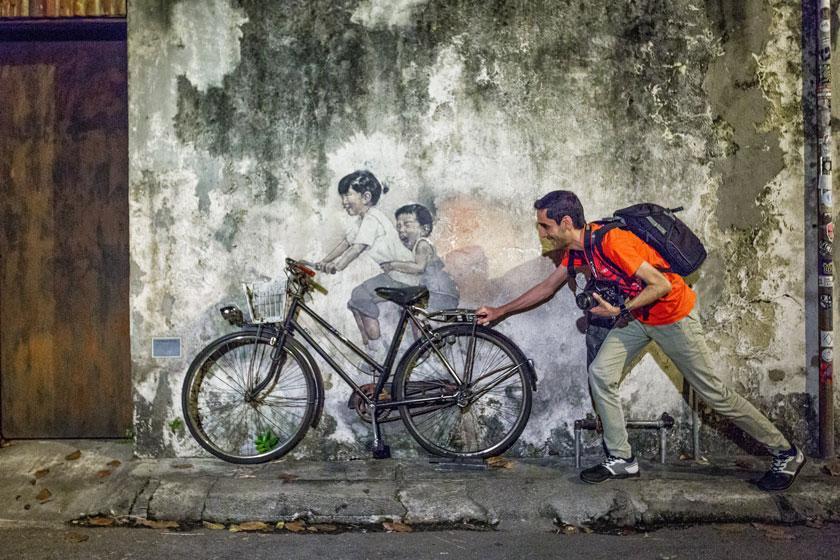 تماشا کنید: شبگردی در پنانگ، شهر نقاشی های خیابانی