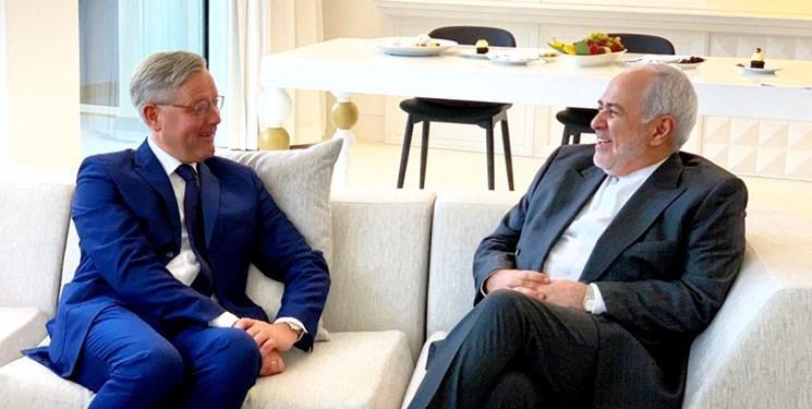 دیدار رئیس کمیته سیاست خارجی مجلس آلمان با ظریف در دوحه