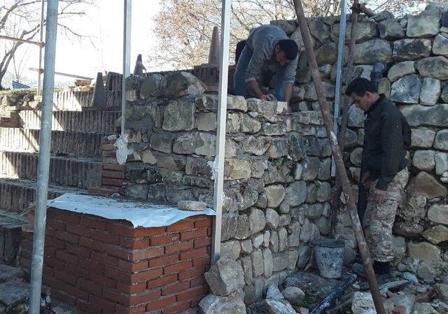 ادامه عملیات مرمت پلکان شرقی باغ عباس آباد