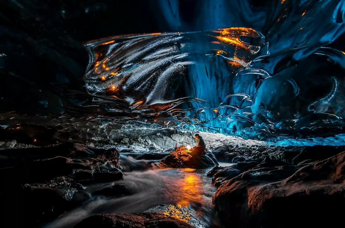 10 مورد از عجیب ترین غارهای دنیا؛ سفری به سرزمین یخی