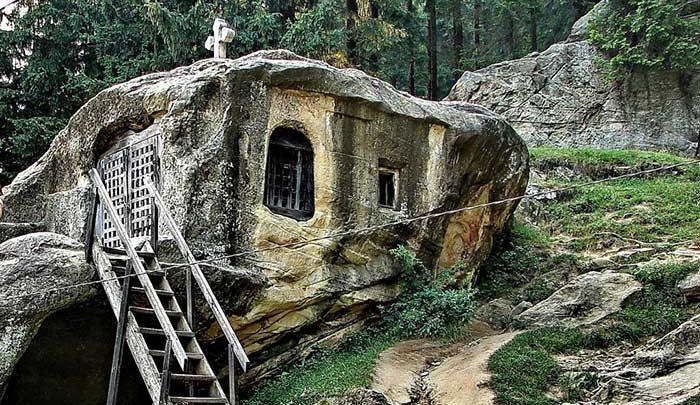 خانه صخره ای محبوب توریست ها!، تصاویر
