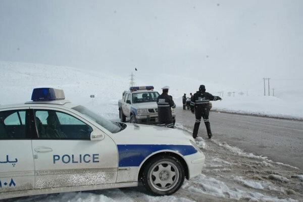 تردد در جاده های اورامانات کرمانشاه با زنجیر چرخ امکان پذیر است