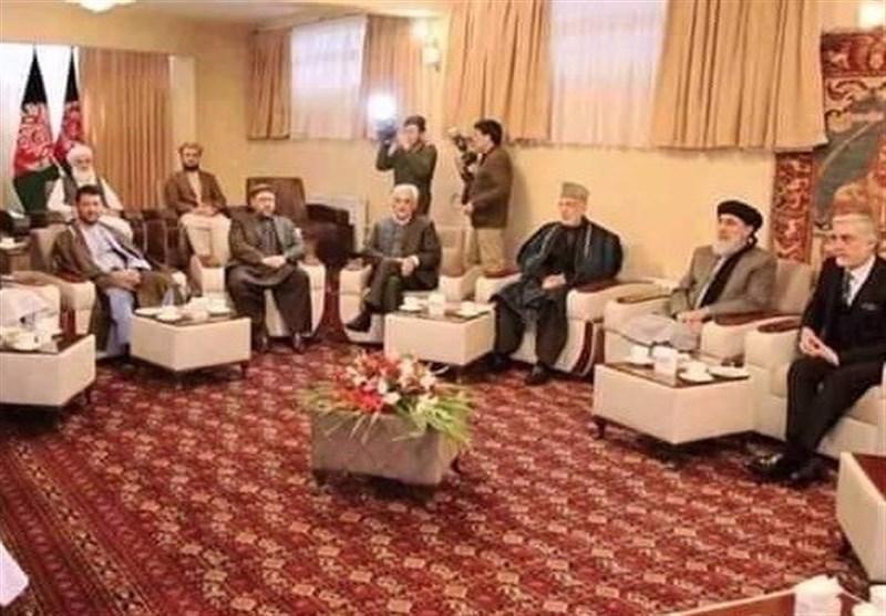 نشست سیاسیون در منزل رئیس شورای عالی صلح افغانستان