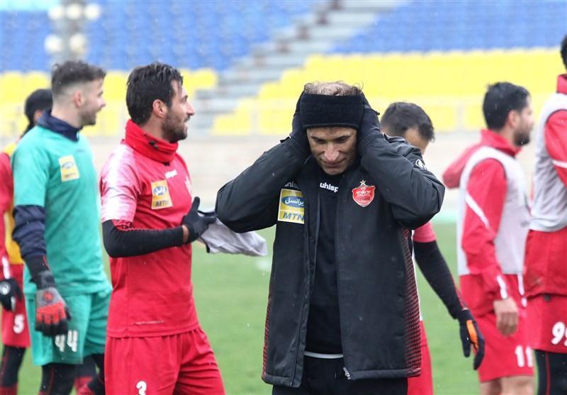 جلسه گل محمدی با بازیکنان پرسپولیس پیش از آغاز تمرین