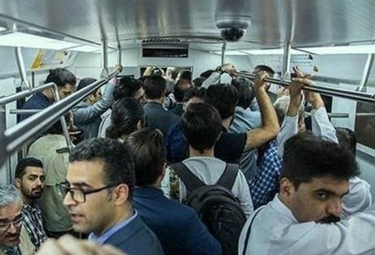 با اجرای طرح ترافیک مسافران مترو افزایش یافته است؟!