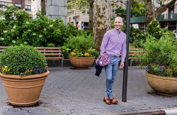 8 اشتباه در لباس پوشیدن که آقایان برای جوان تر به نظر رسیدن انجام می دهند