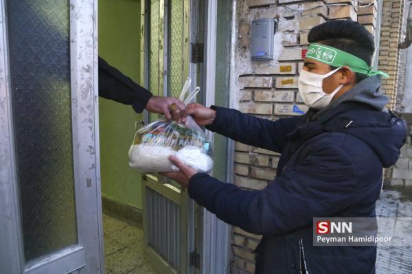 اهدای بسته حمایتی بهداشتی به خانواده های نیازمند بویراحمد