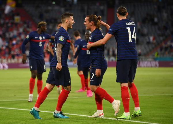 آلمان 0 - فرانسه 1؛ گل به خوی هوملس، اولین پیروزی شاگردان دشان را رقم زد
