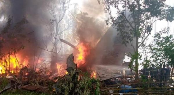 هواپیمای نظامی فیلیپین با 85 سرنشین سقوط کرد