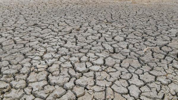 خشکسالی در ایران؛ زندگی در بعضی شهر ها غیرممکن می گردد