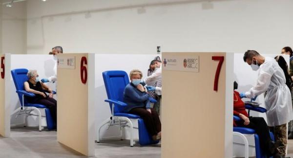 روزنامه نگار تُرک پس از زدن دوز دوم واکسن افغانشد!