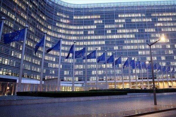تور اروپا ارزان: اتحادیه اروپا: حامی فرانسه هستیم