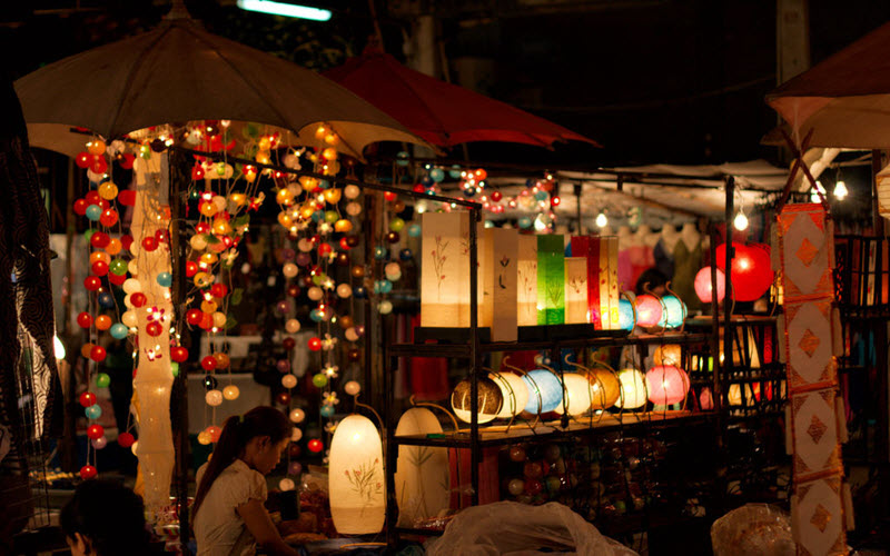 خرید از بازار شبانه چیانگ مای